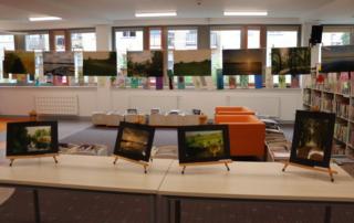 Zdjęcie przedstawia prace, które przysłano na konkurs